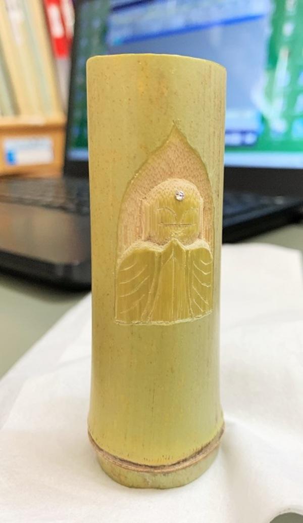 誕生日プレゼントの仏様を竹で彫りました!!